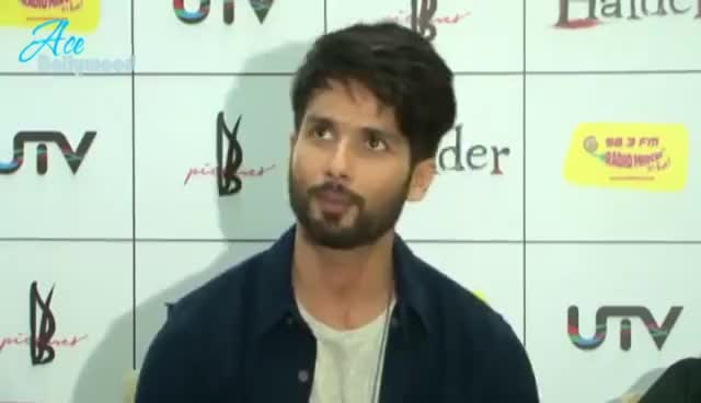 Watch and share Shahid Kapoor & Shraddh Kapoor At Radio Mirchi For Haider Promo GIFs on Gfycat