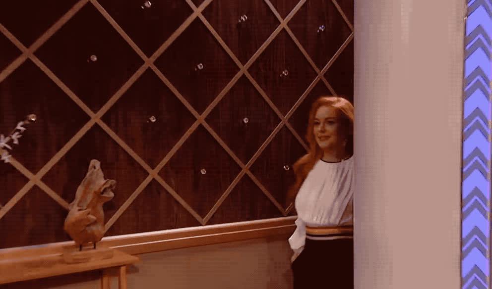 entrance, happy, hello, hey, hi, lindsay, lohan, see, smile, to, wendy, you, Hello Lindsay Lohan GIFs