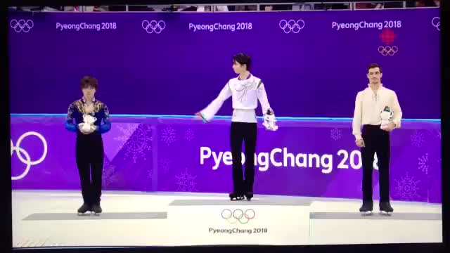 Watch SportsWholesome figure skating moment by Yuzuru Hanyu GIF by GIFs For Everything (@jiffiergifss) on Gfycat. Discover more gifs, happy, mademesmile, olympics, pyeongchang2018, skating, sports, wholesomegifs, wholesomememes GIFs on Gfycat
