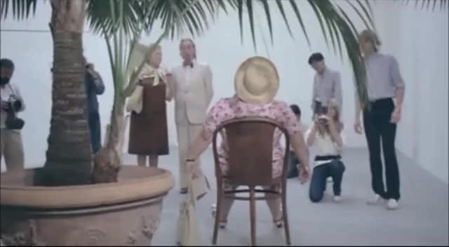 """Watch and share Alberto Sordi - Le Vacanze Intelligenti - """"L'opera D'Arte"""" GIFs on Gfycat"""