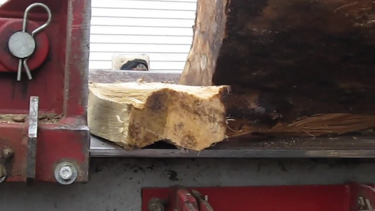 oddlysatisfying, squeezed, water, Water Squeezed Out of Freshly-Cut Wood with 3000PSI Hydraulic Splitter GIFs