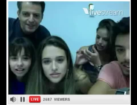 Watch and share Twitcam - Agatha Moreira - Alice Wegmann - Rodrigo Simas GIFs on Gfycat