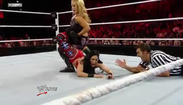 Raw: Natalya vs. Melina
