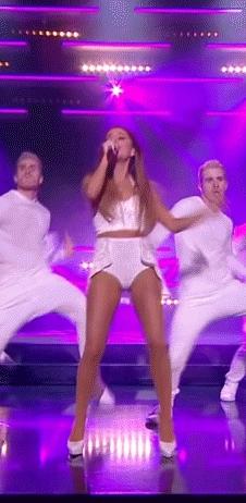 arianagrande, onstagegw, Ariana Grande performing (reddit) GIFs