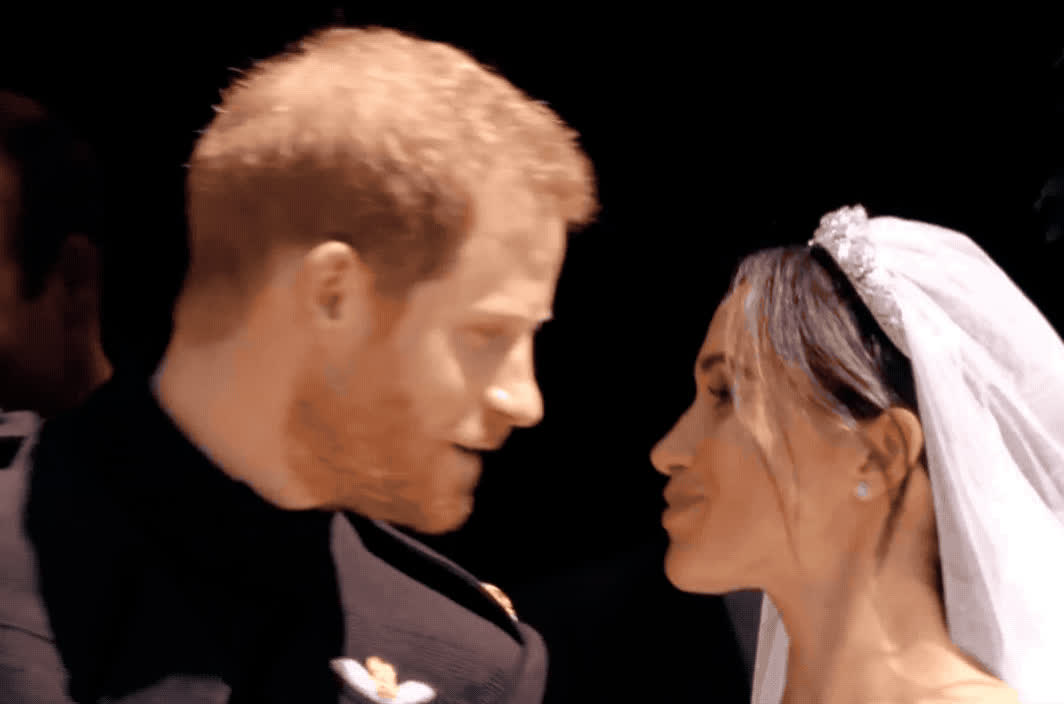I love you, aww, awww, cheesy, couple, cute, harry, in, kiss, kisses, love, markle, marriage, meghan, prince, romance, romantic, royal, together, wedding, Prince Harry and Meghan Markle kiss GIFs