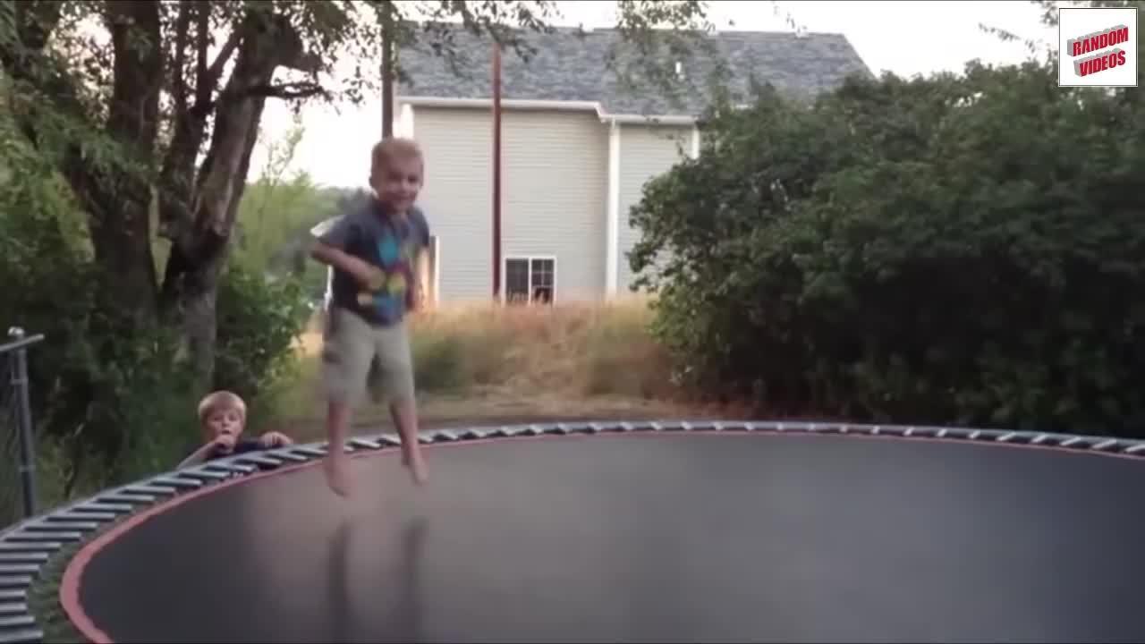 fails, holdmyjuicebox, trampoline (invention), Trampoline Fails Compilation GIFs