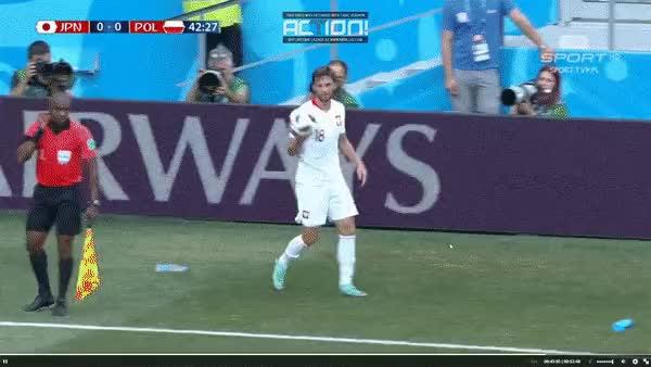 Watch and share Https://www.wykop.pl/wpis/33176377/taktyka-nawalki-na-mundial-mecz-meczgif-mundial/ GIFs on Gfycat