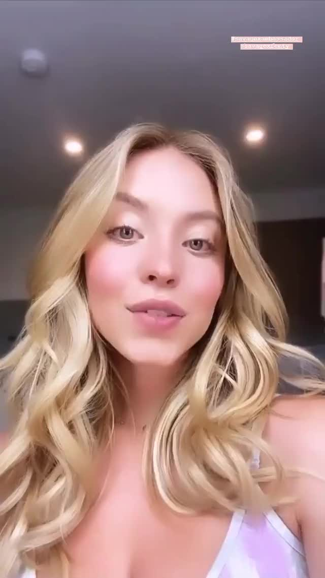 Watch and share Sydney Sweeney-20200415-0001 GIFs by celebsjt on Gfycat