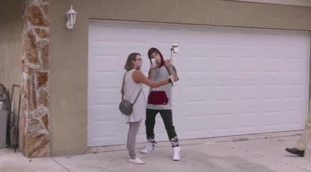 Watch Photoshoot interrupted GIF by Funny Or Die (@funnyordie) on Gfycat. Discover more FoD, Funny Or Die, FunnyorDie, Justin Long, Stephen Blatt, The Real Stephen Blatt, Verified GIFs on Gfycat
