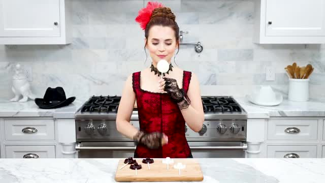 Watch and share Rosanna Pansino GIFs and How To Decorate GIFs on Gfycat