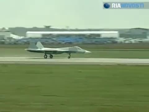 WarplaneGfys, warplanegfys, 5G fighter aborts flight at MAKS-2011 air show (reddit) GIFs