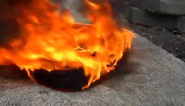 Toy Car Fire Volkswagen Golf Gti 6 Quemando Coche De Juguete Carro