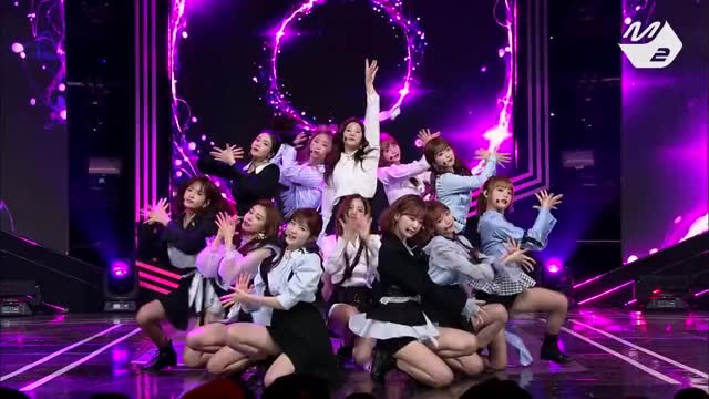 Watch and share Mnet GIFs and 아이즈원 GIFs by 개그집합소.사나 on Gfycat