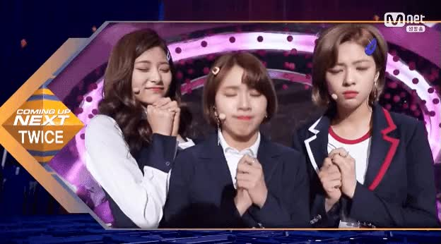 Watch and share Chaeyoung GIFs and Jungyeon GIFs by ddkkj24 on Gfycat