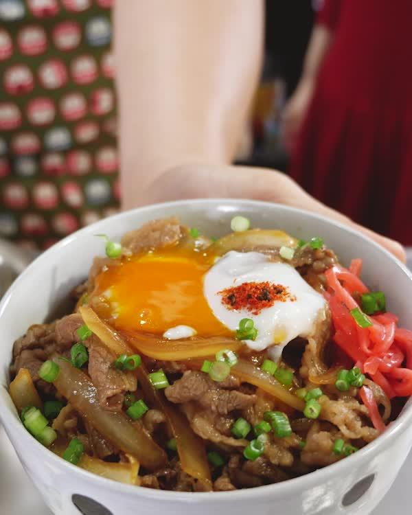 cooking, food, food recipes, gif recipe, japanese cooking, japanese food, recipe, recipes, Straight Up Eats - Better Than Yoshinoya Gyudon GIFs