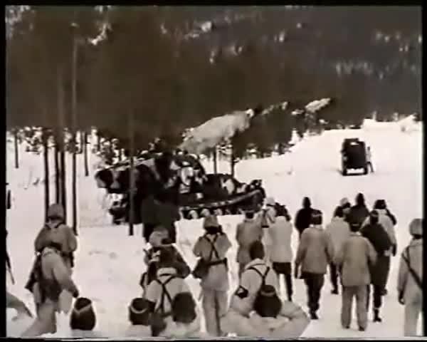 bkan 1, försvaret, swarje, Skjutningar med Bandkanonen under slutövningen år 2000 GIFs