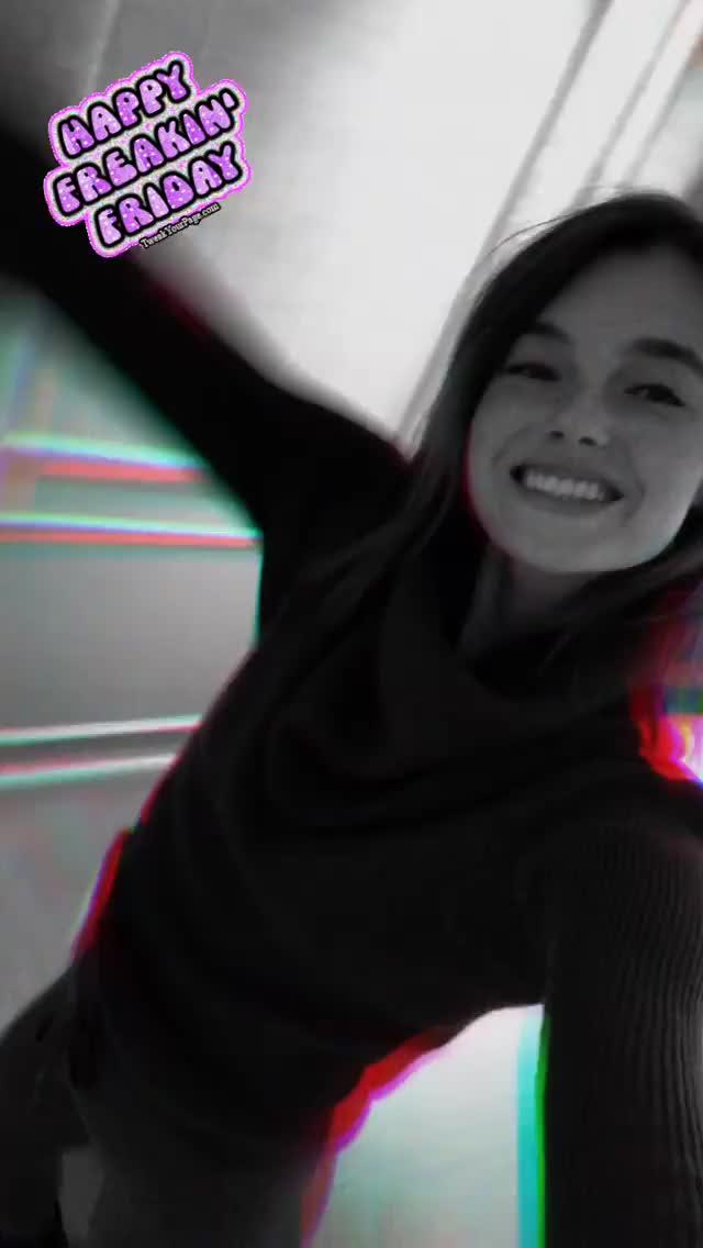 Watch and share Celinebethmann 2018-12-08 02:55:18.290 GIFs by Pams Fruit Jam on Gfycat