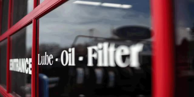 Watch and share Lube-oil-filter GIFs by jimk6262 on Gfycat
