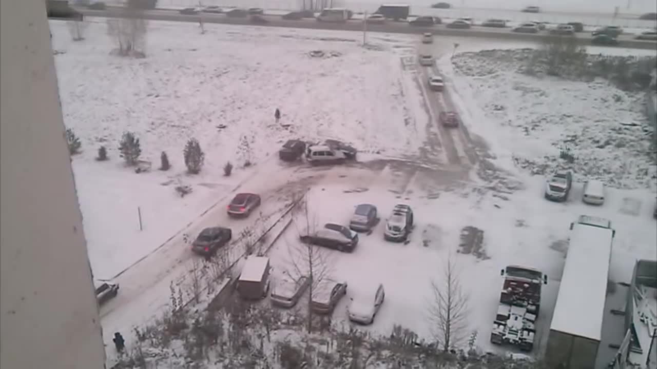 gifs, interestinggifs, Winter came unexpecedly in Russia. As usual. GIFs