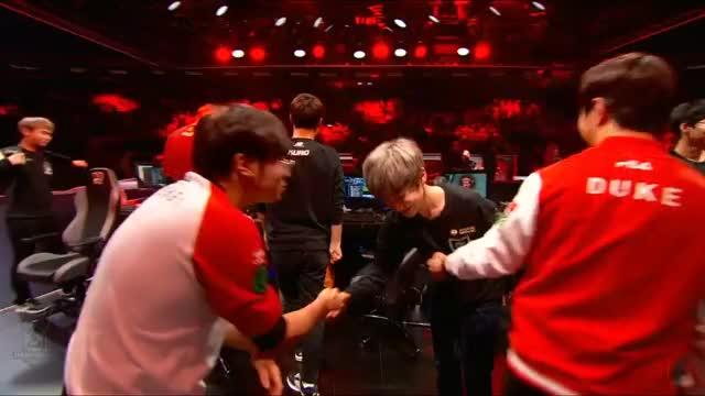 Worlds Semifinal: ROX Tigers vs. SK Telecom T1
