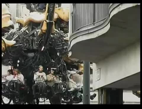 LA MACHINE GIANT SPIDER in LIVERPOOL  with intro by  ZIGGY