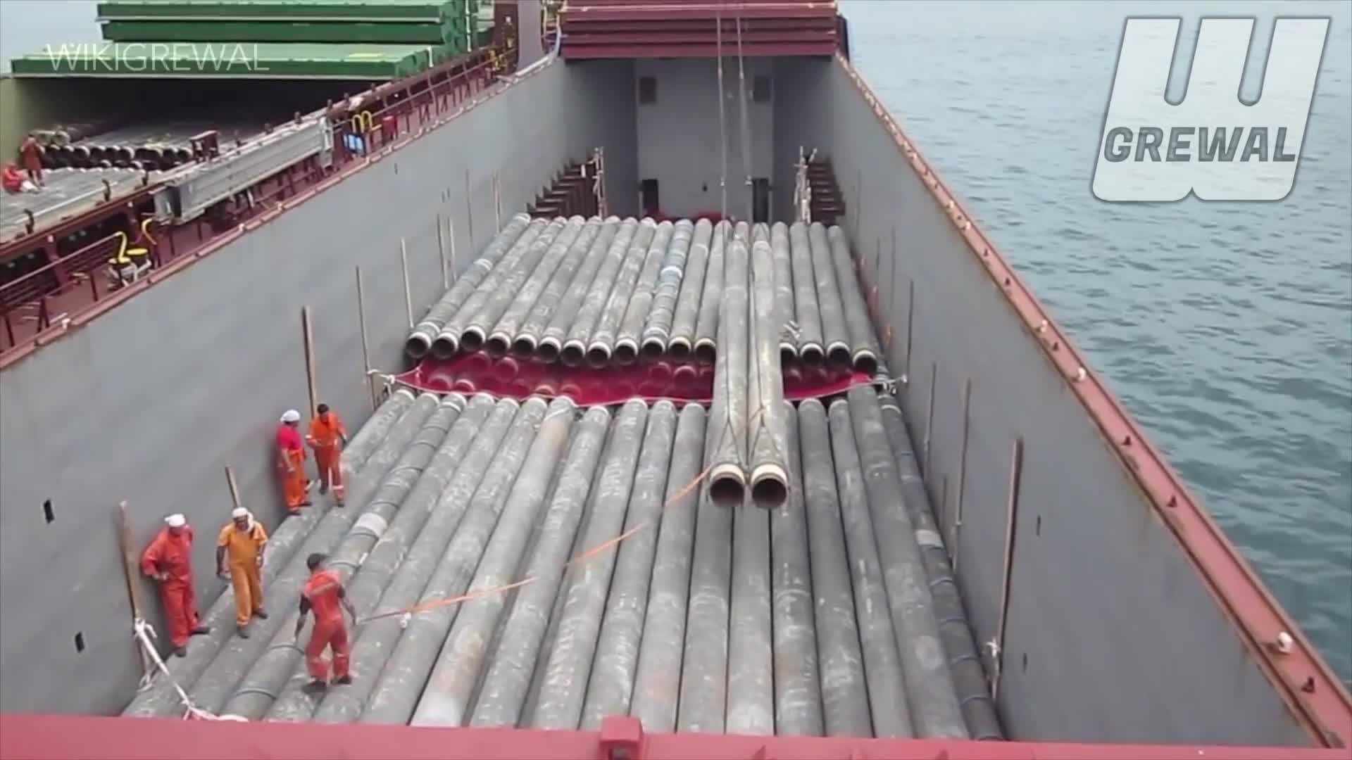 Crew Loading Pipes, Idiots At Sea, Marine Accident, Marine Incident, Nearmiss, Noob Marine Crew, Pipelaying Accident, Seaman On Rampage, Wikigrewal, ZERO HSE, IDIOTS AT SEA - Offshore Pipelay Crane FAILURE ACCIDENT GIFs