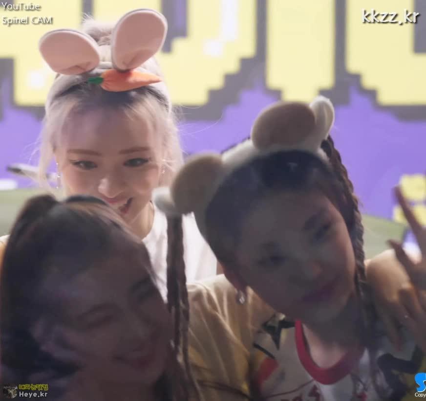 itzy, yuna, 유나, 있지, ITZY(있지) 유나의 메들리 댄스 (ITZY YUNA) GIFs