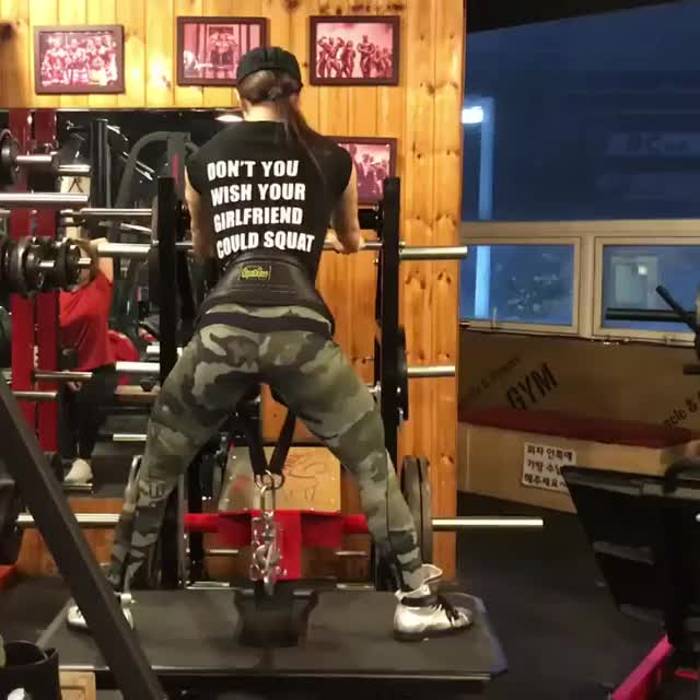 Watch and share Female Bodybuilder GIFs and Yeon Woo Jhi GIFs by notusingmylibrarypc on Gfycat