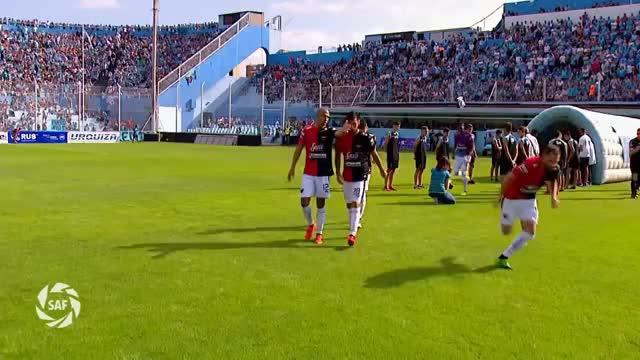 Watch Fecha 25: Resumen de Belgrano - Colón GIF on Gfycat. Discover more Belgrano, Superliga, col, lema, saf, soccer GIFs on Gfycat