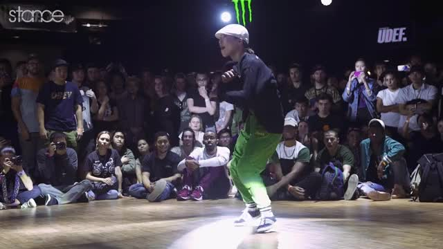 Watch Ayumi ► .stance ◄ School Teacher and B-girl GIF by Koreaboo (@koreaboo) on Gfycat. Discover more bboy, breakdance, hip hop GIFs on Gfycat