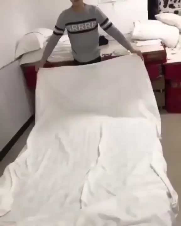 life hack, lifehack, lifehacks, This man sheets GIFs