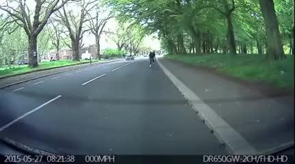 Watch and share Ciclista Empotrado Contra Un Coche De Autoescuela GIFs on Gfycat