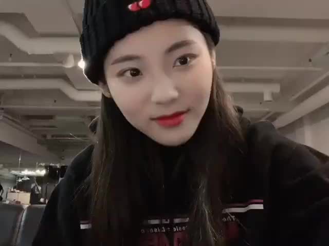 Watch and share Loona Jinsoul GIFs and Jung Jinsoul GIFs by Kuro | 구로카미 on Gfycat