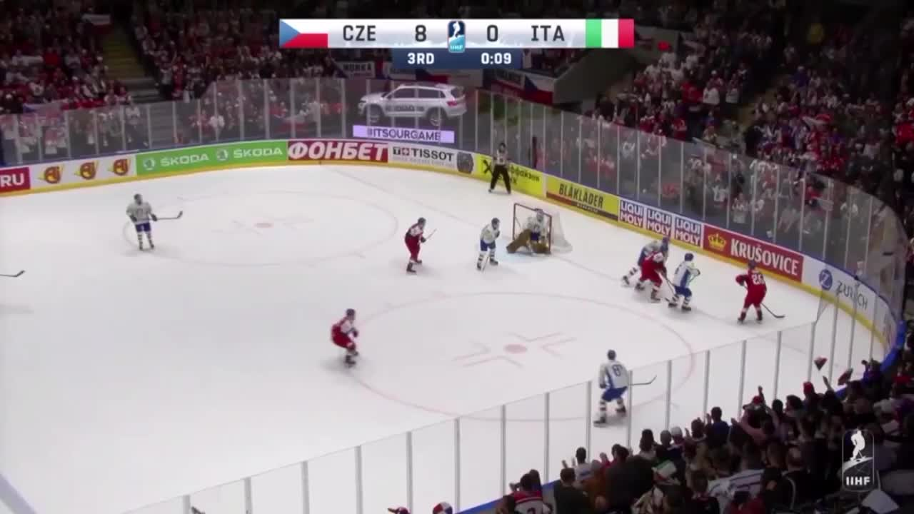 Dmitrij Jaskin just misses out on hat trick GIFs