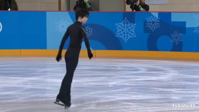 Watch this ice skate GIF by Irina Niculiu (@irinan) on Gfycat. Discover more 1skate48, ice skate, ice skating, imovie, sports, val h GIFs on Gfycat