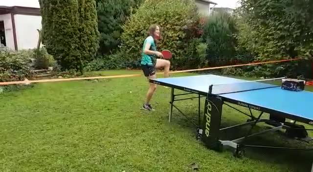 sabine winter, table tennis, tischtennis, Sabine plays table tennis on a slackline GIFs