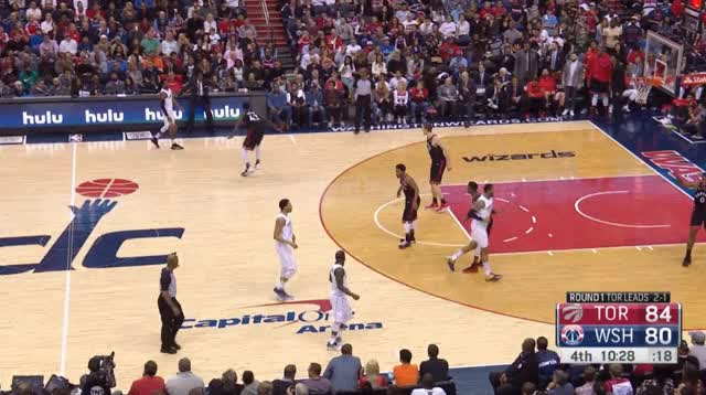 Watch and share Siakam Miles Switch GIFs by blakemurphyodc on Gfycat