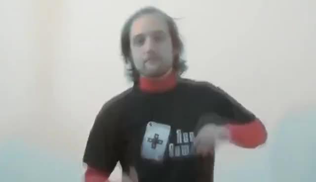 Zeb89 balla in maniera fiera contro gli haters