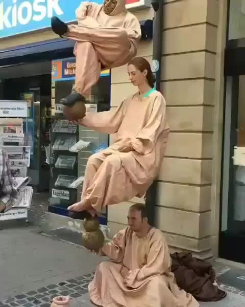 These street performers GIFs