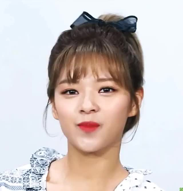 Watch and share Jeongyeon GIFs and Celebs GIFs by 1001twice on Gfycat