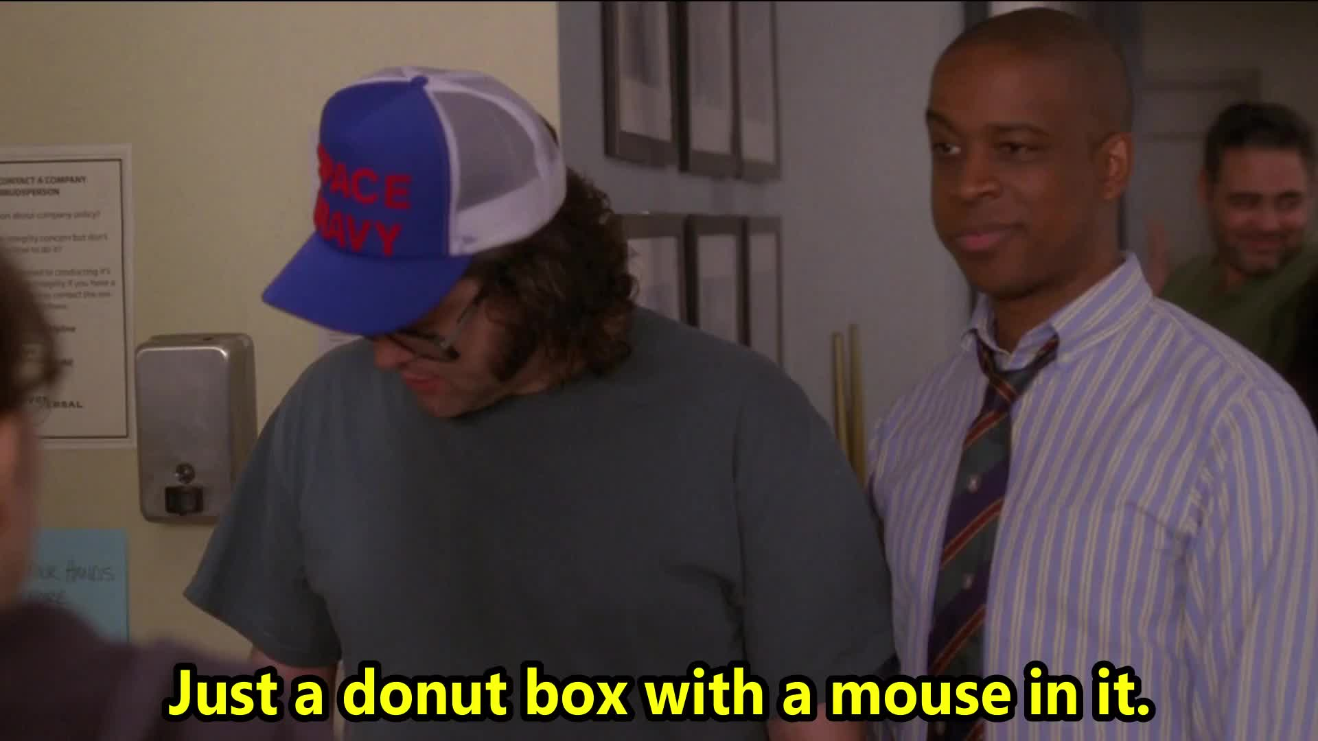 30 rock, celebs, donuts, frank, into, jack mcbrayer, lemon, liz, lutz, mouse, prank, pranksmen, running, s03e19, television, the ones, tina fey, toofer, tv, wall, Lutz gets pranked with a mouse GIFs