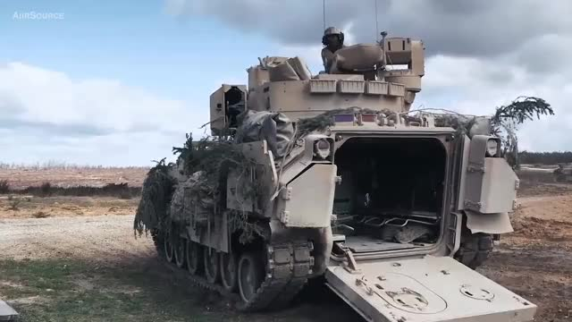 Watch and share Troops Loading Into Bradley LOOP GIFs by Smoke-away on Gfycat