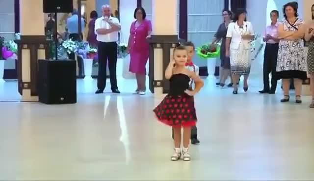 Watch Niños Bailando - Kids Dancing GIF on Gfycat. Discover more related GIFs on Gfycat