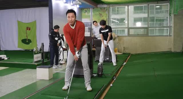 Watch and share Golfing GIFs by diadongsik1 on Gfycat