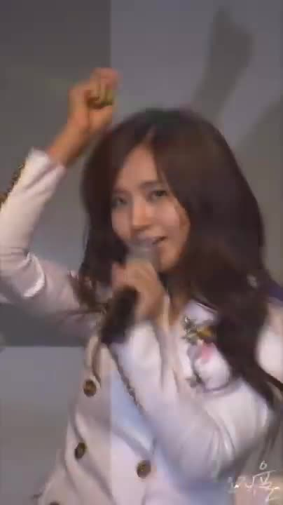 091108, Chocolate, LG, Love, SNSD, Yuri, mobile, worldcup, 소녀시대, 유리, 091108 Yuri LG mobile worldcup SNSD Chocolate Love GIFs