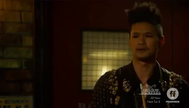 Watch magnus 1 GIF on Gfycat. Discover more 3x01, episode, malec, scene, season, shadowhunters GIFs on Gfycat