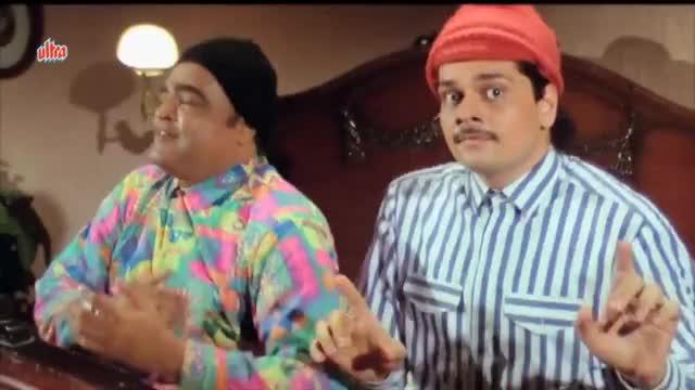 Watch and share Ye Raat Aur Ye Doori - Salman Khan, Raveena Tandon, Andaz Apna Apna, Love Song GIFs on Gfycat