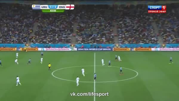▷ Dani Alves nutmeg Arturo Vidal + Fight final 2015 (reddit