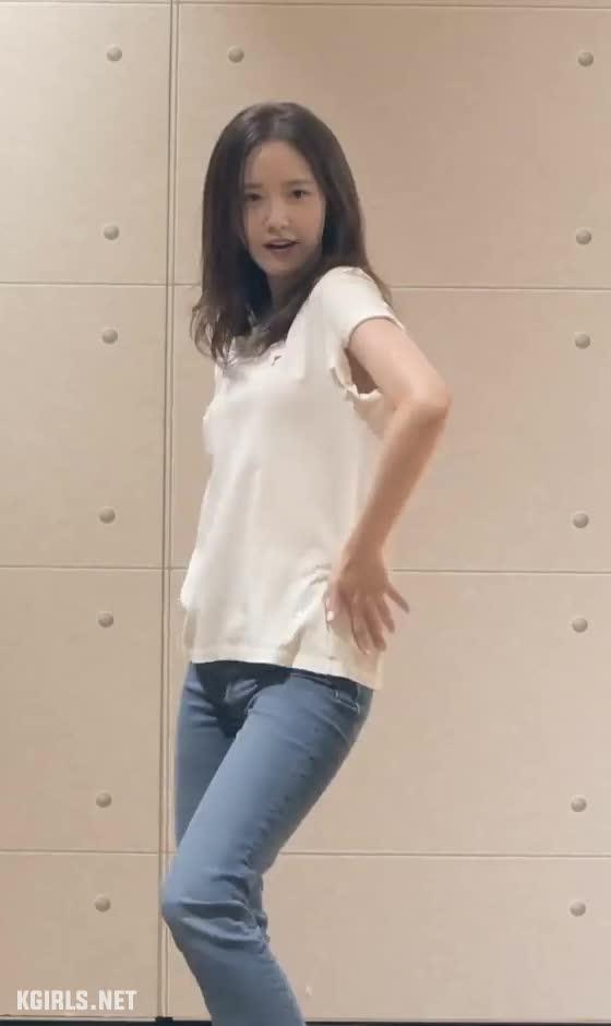 Yoona-SNSD-EXIT dance-2-www.kgirls.net GIFs