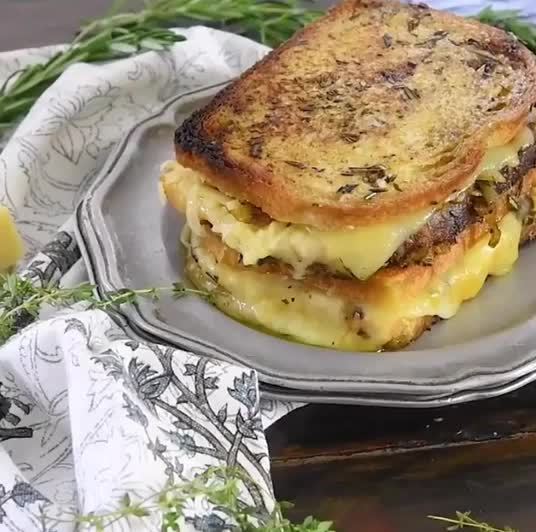 cheese melt, foodielicious, french onion, French Onion Cheese Melt GIFs
